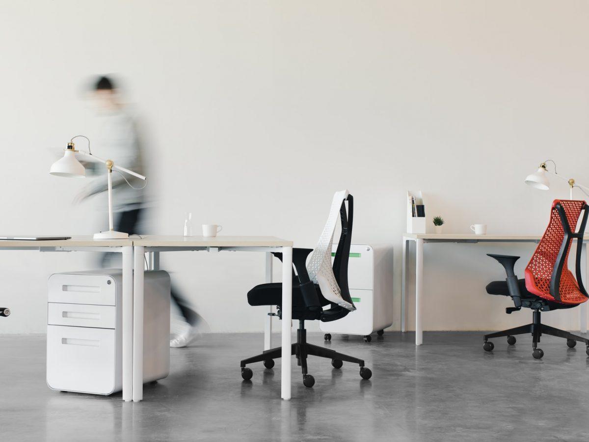 Работа от стол